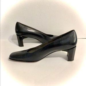 ♣️🔥♠️ STEWART WEITZMAN Black Leather Heels NWOT